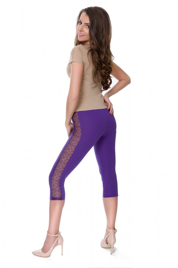 3/4 leggings with lace on the leg