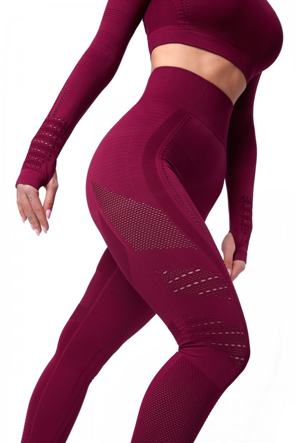 Seamless workout set: leggings & top...